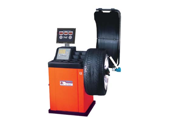 Staunch Computerized Wheel Balancer for Sale Kampala Uganda. Garage Equipment, Mechanical Devices, Automotive Industrial Machinery Kampala Uganda